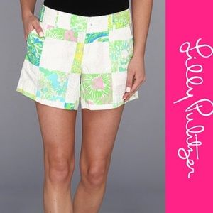 Lilly Pulitzer Lioness Patch Callahan Shorts